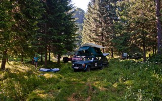 Camping in Alun river valley