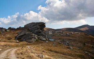 Rocks on the way to Kajmakčalan