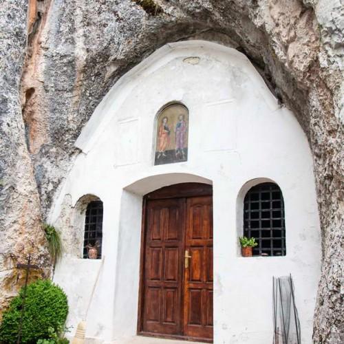 Church in a cave in Rsovci