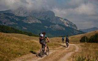 Riding over Zelengora