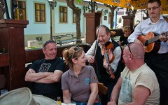 Live music in a traditional restaurant in the old part of Belgrade